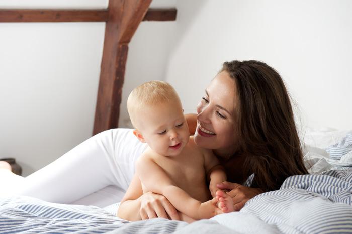 産後ダイエットを成功させて笑顔いっぱいの産後ママ